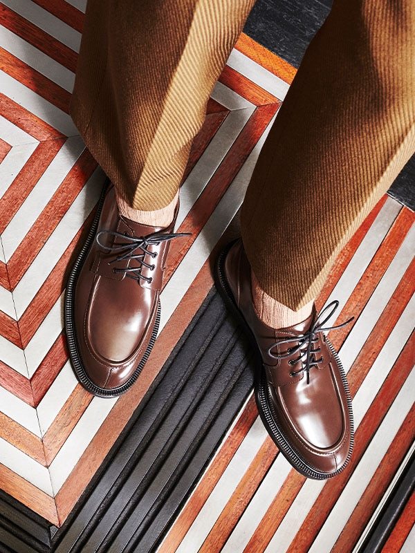 WORK TO WEEKEND: DERBY SHOES